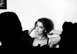 Laetitia Casta, sensuelle pour le parfum Intense de Dolce&Gabbana