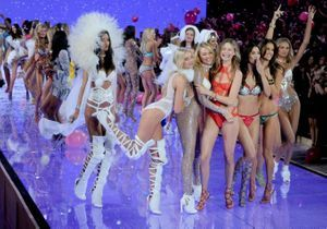 Défilé Victoria's Secret : les looks de Bella Hadid, Jasmine Tookes et Josephine Skriver dévoilés