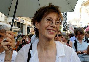 Jane Birkin et Agnès Jaoui chantent contre la xénophobie