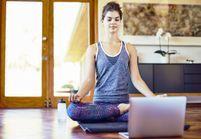 4 exercices de yoga pour se relaxer en regardant un film