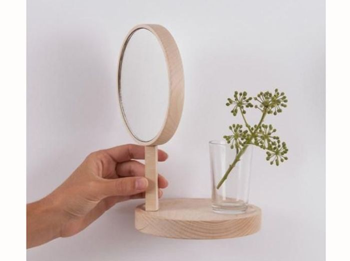 Décorer ses toilettes grâce à un joli petit miroir
