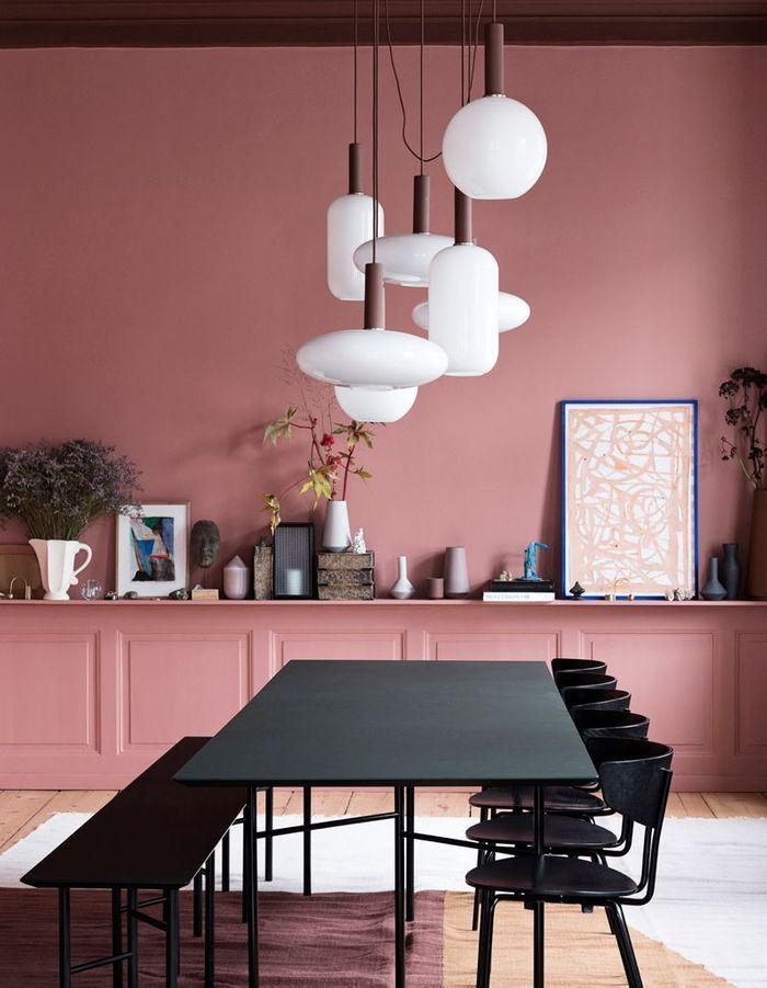 Un mur coloré en rose saumon