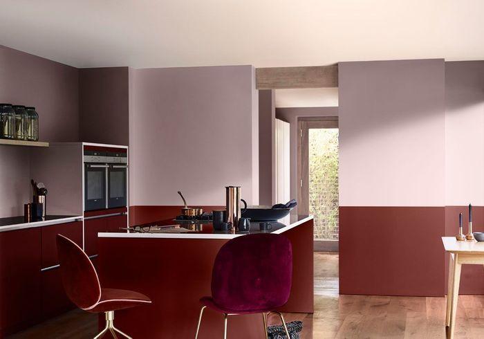 Un mur coloré en vieux rose et rouge sang de bœuf