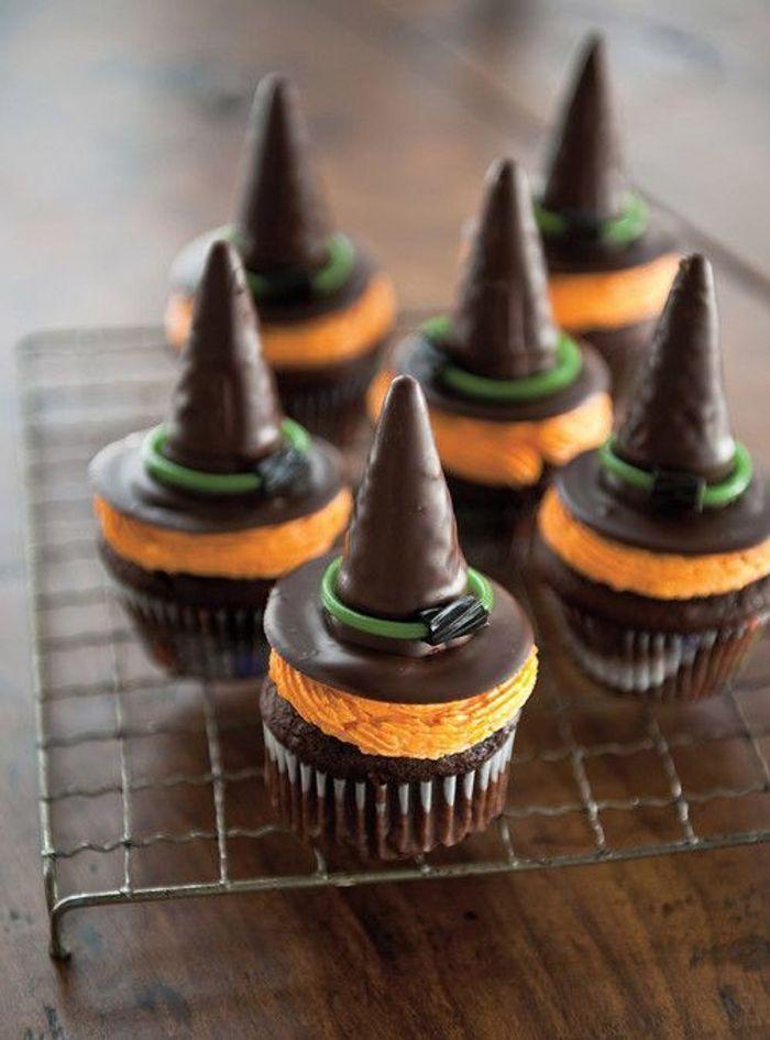 Cupcakes halloween chapeau de sorcière